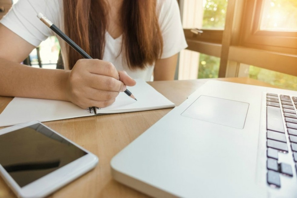 otthon tanulás