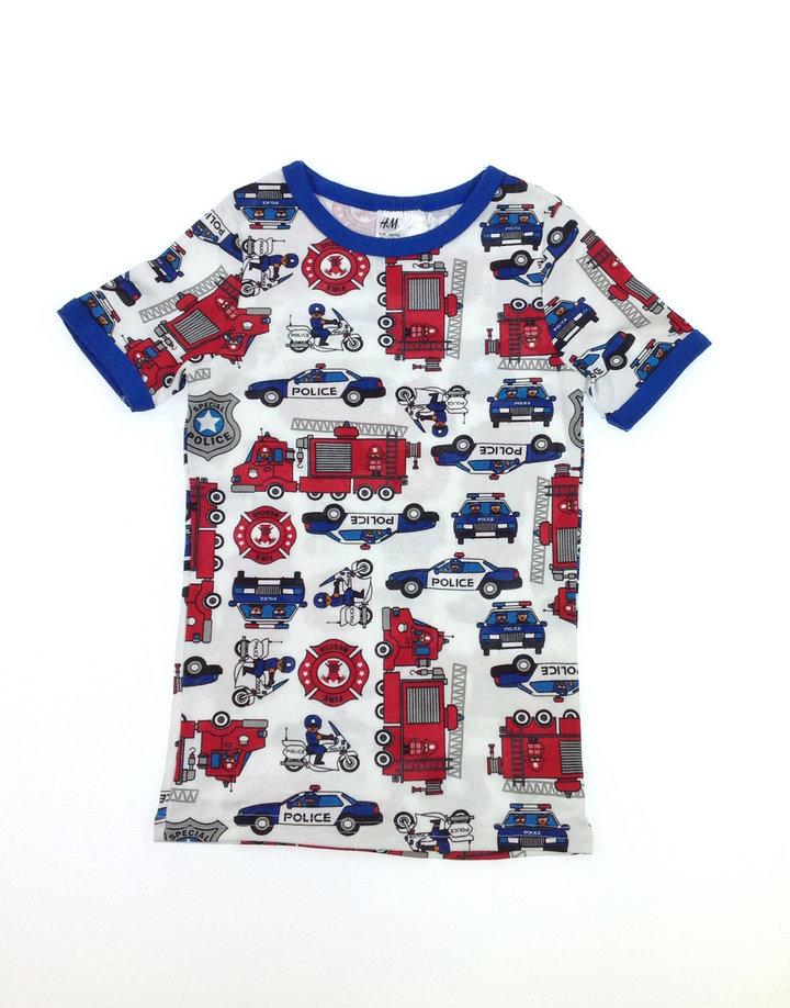 H M rendőr és tűzoltó mintás kisfiú póló  pizsama felső  477577d82e