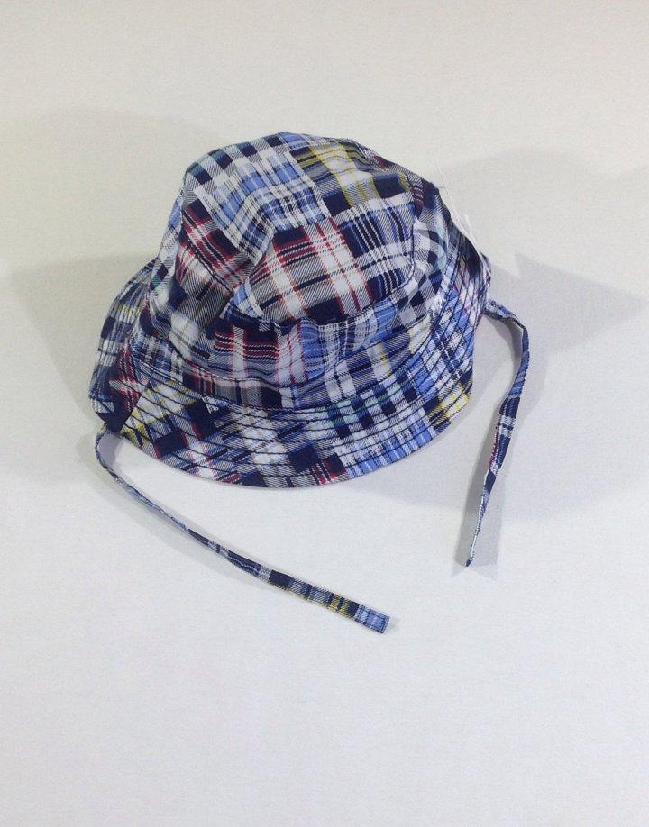 H M kockás napozó kalap   8a618b1df7