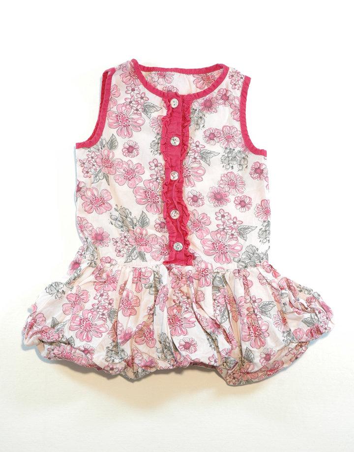 Nagy virágos ruha,