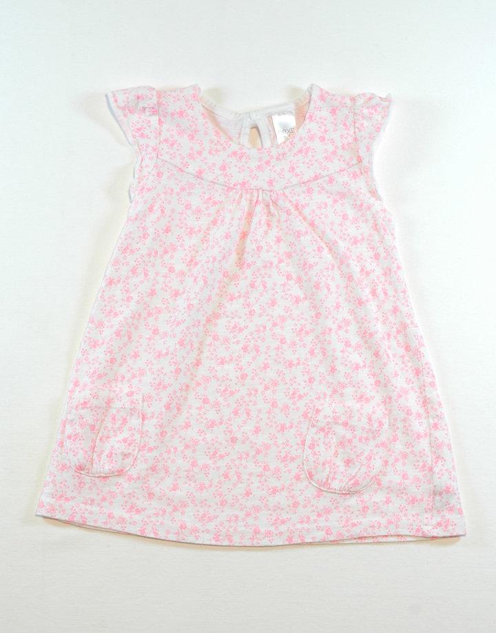 Next, fehér kislányruha, apró rózsaszín virágokkal