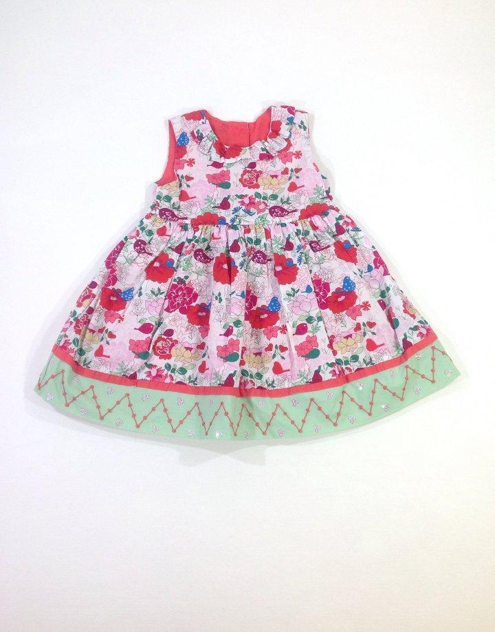 Virág mintás baba ruhácska
